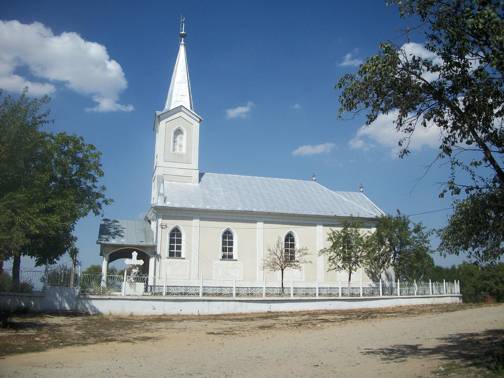 Biserica Chiraleu 2