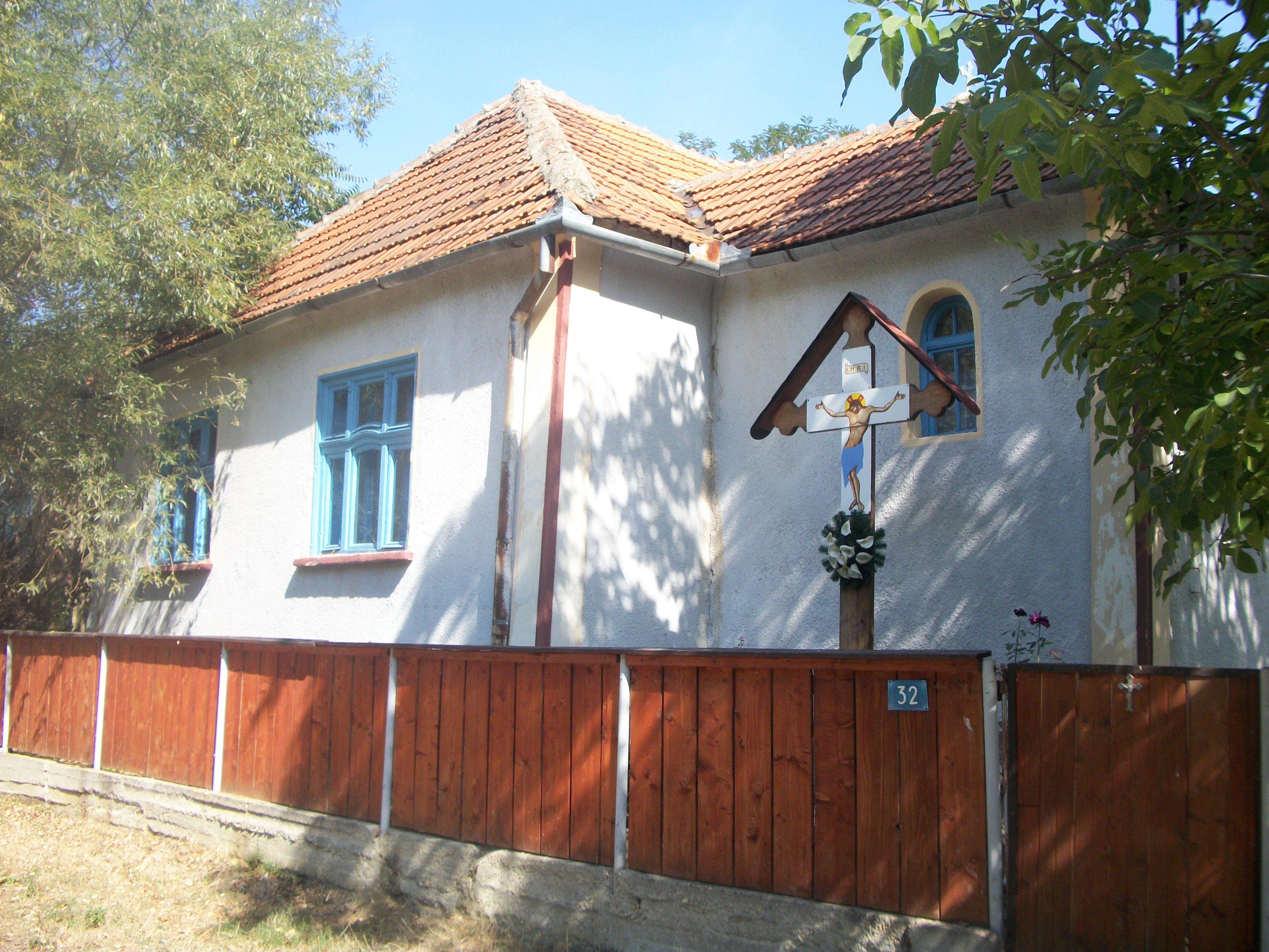 Biserica Haucesti (2)