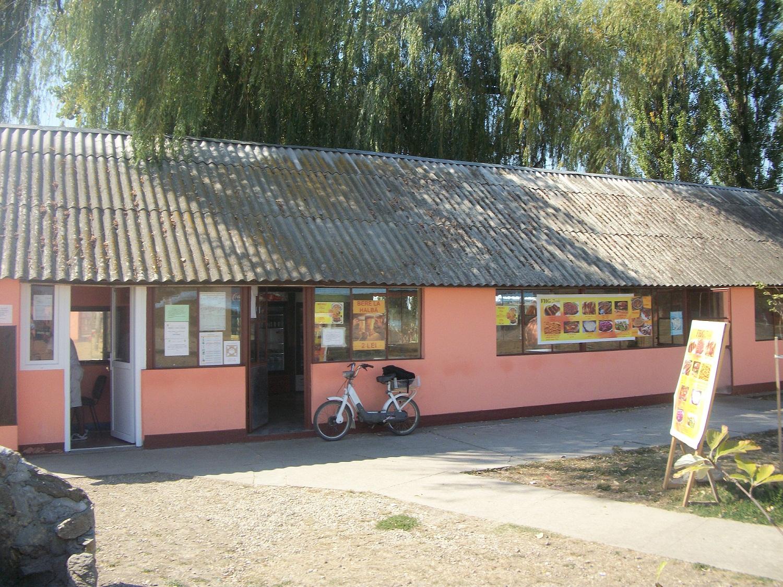 Strand Termal Chislaz Fast food